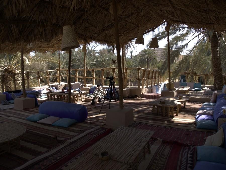 Relax v oáze Siwa u Kleopatřiny lázně.