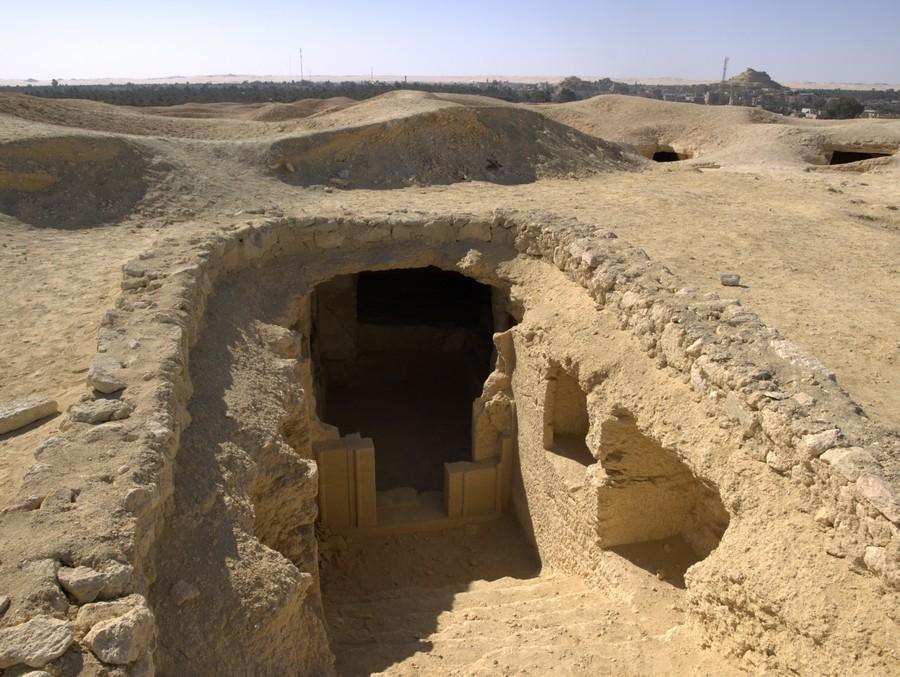 Hrobka na Hoře mrtvých v oáze Siwa.
