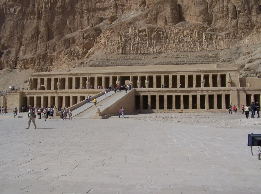 Chrám královny Hatšepsut.